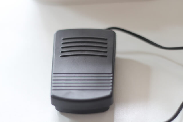 小型ミシンMY-MEフットペダルスイッチ画像