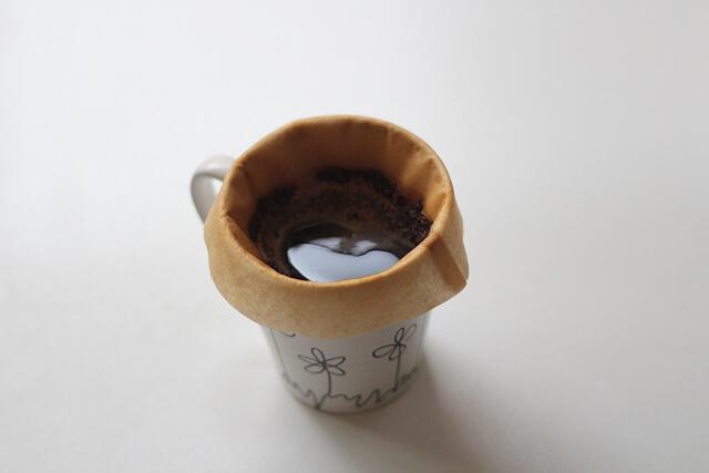 豆乳カフェオレの作り方ドリップ画像