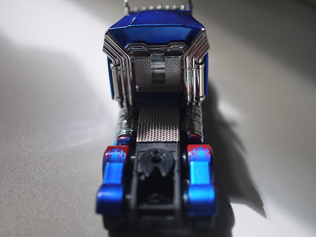 オプティマスプライムトレーラー背面画像